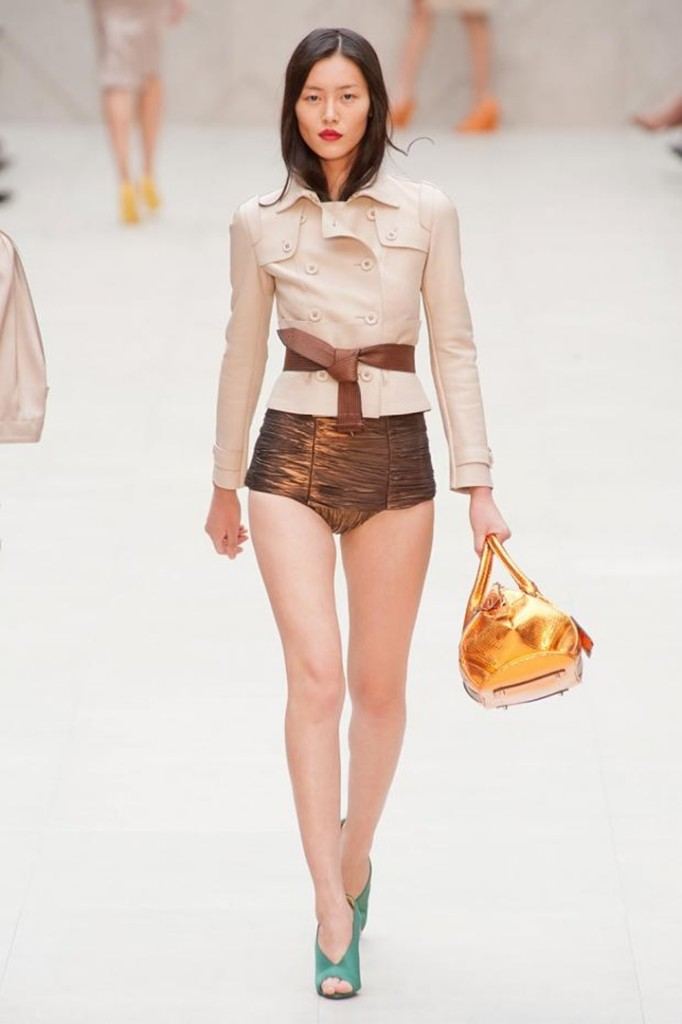 Cropped cut-out outfits deux-piece trends Burberry 2013