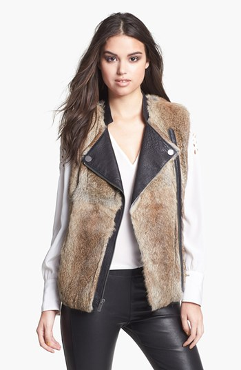 How to wear the fur leather vest - trends