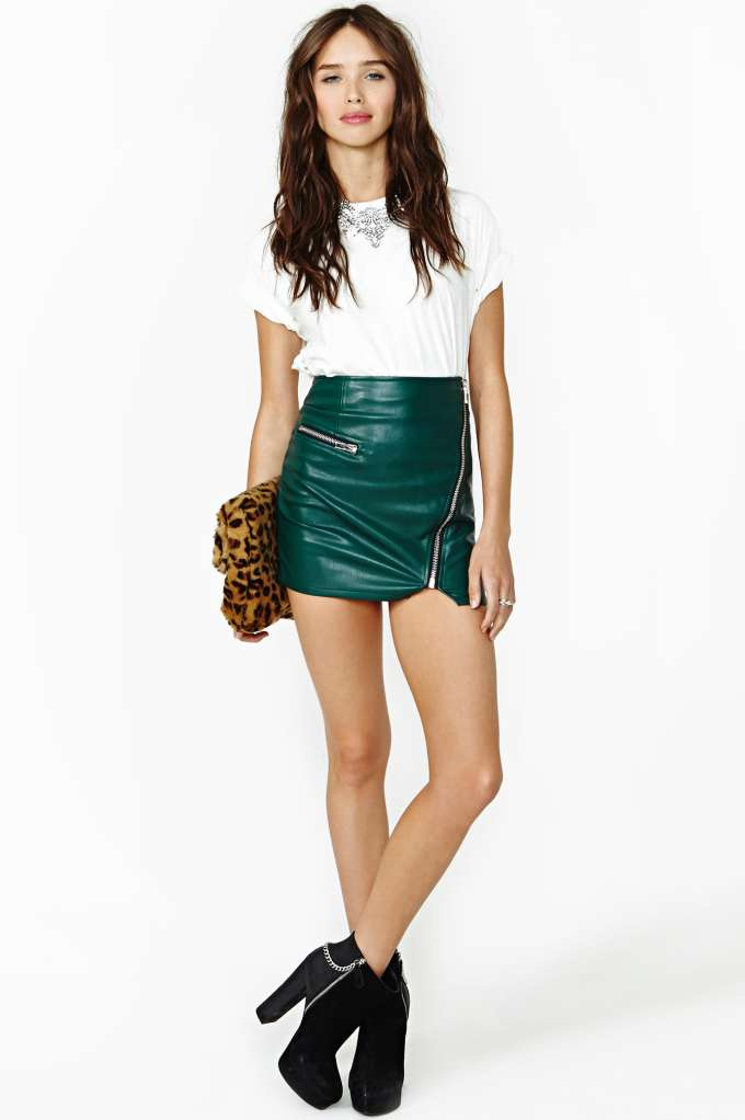 Color Leather Mini Skirt - Outfits NYE Parties
