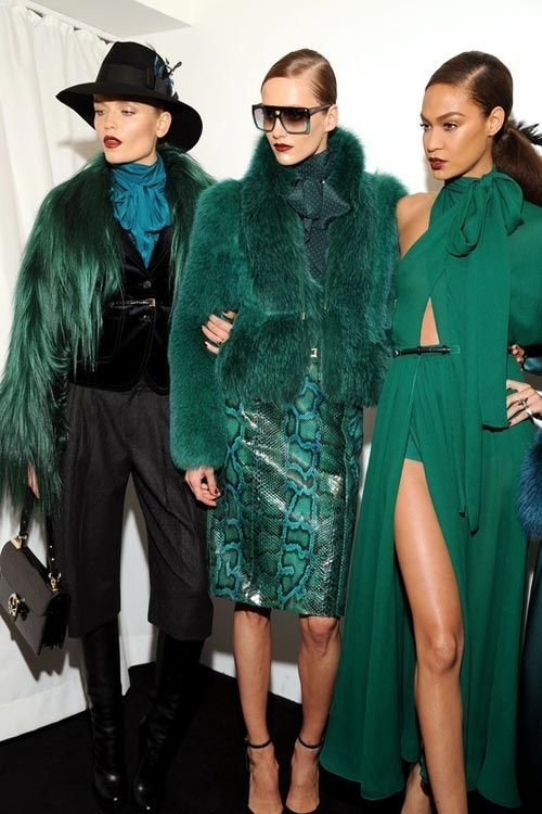 green-outfits-styling-emerald