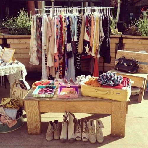 Tiny Yard Concepts To Make The Most Of A Little Room: How To Organize A Fashion Pop Up Yard Sale