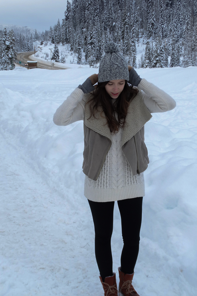 tips-staying-warm-winter-wonderland-outfit
