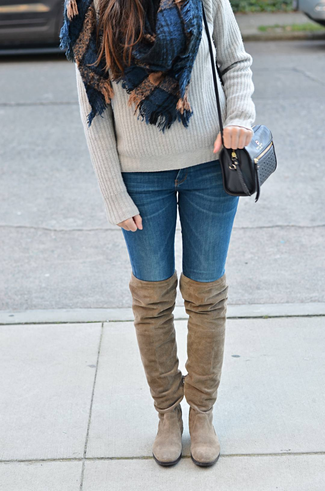 Winter-timeless-items-scarf-outfits