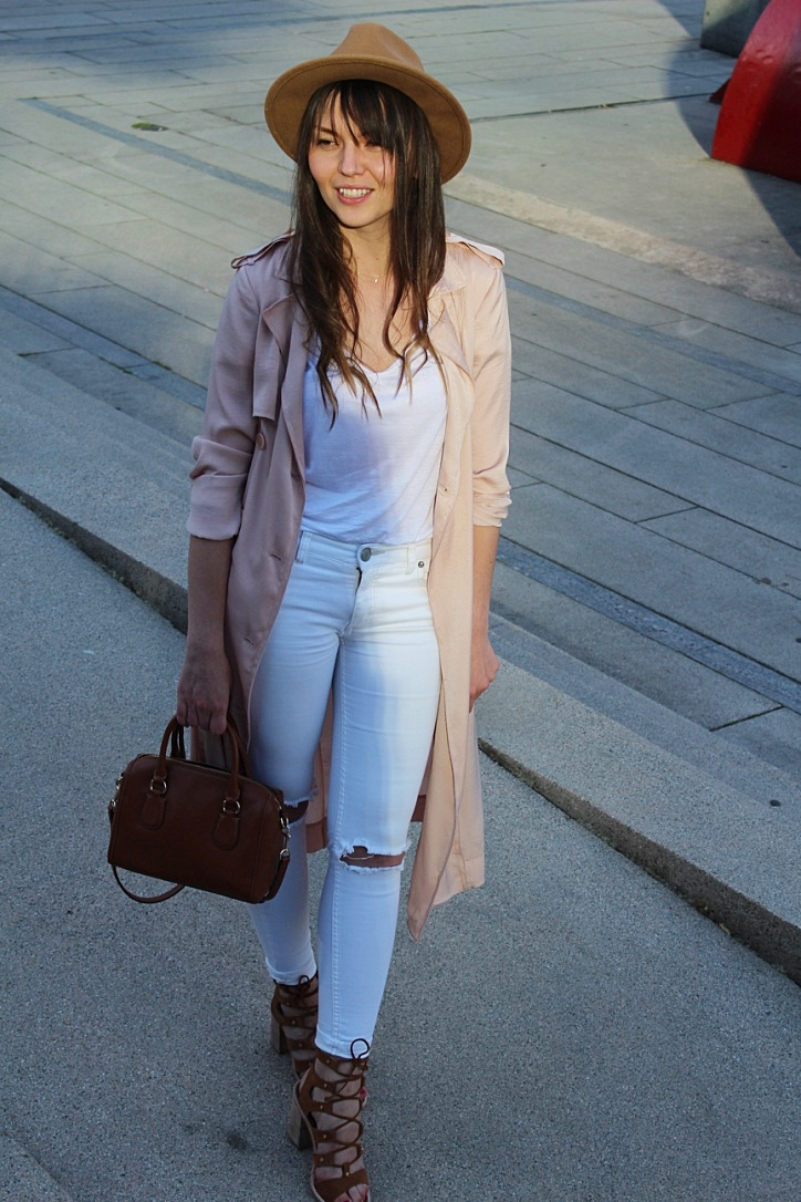 trench-coat-summer-outfit