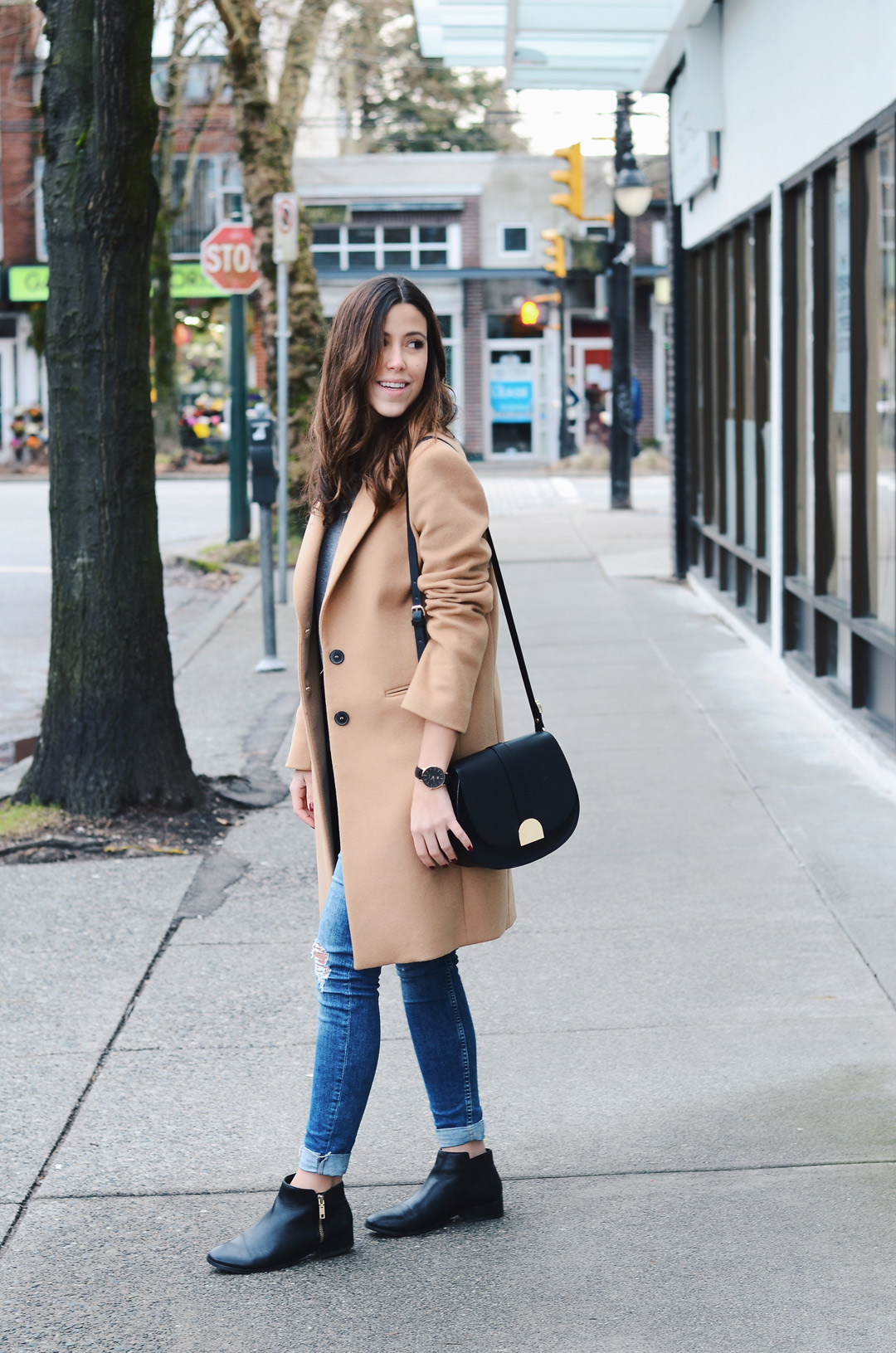 styling-camel-coat